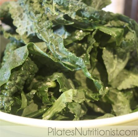 De-stemming raw kale